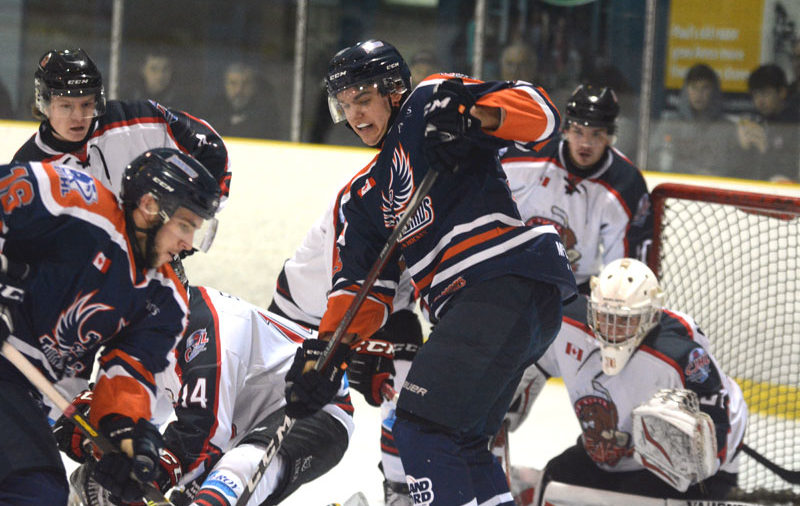Cicchello connects in OT as Thunderbirds get past Beavers